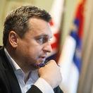 Danko presadil len jeden bod programu schôdze, ale poslanci veto prezidentky neprelomili