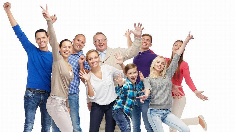 rodina, rôzny vek, deti, mladí, starí, radosť