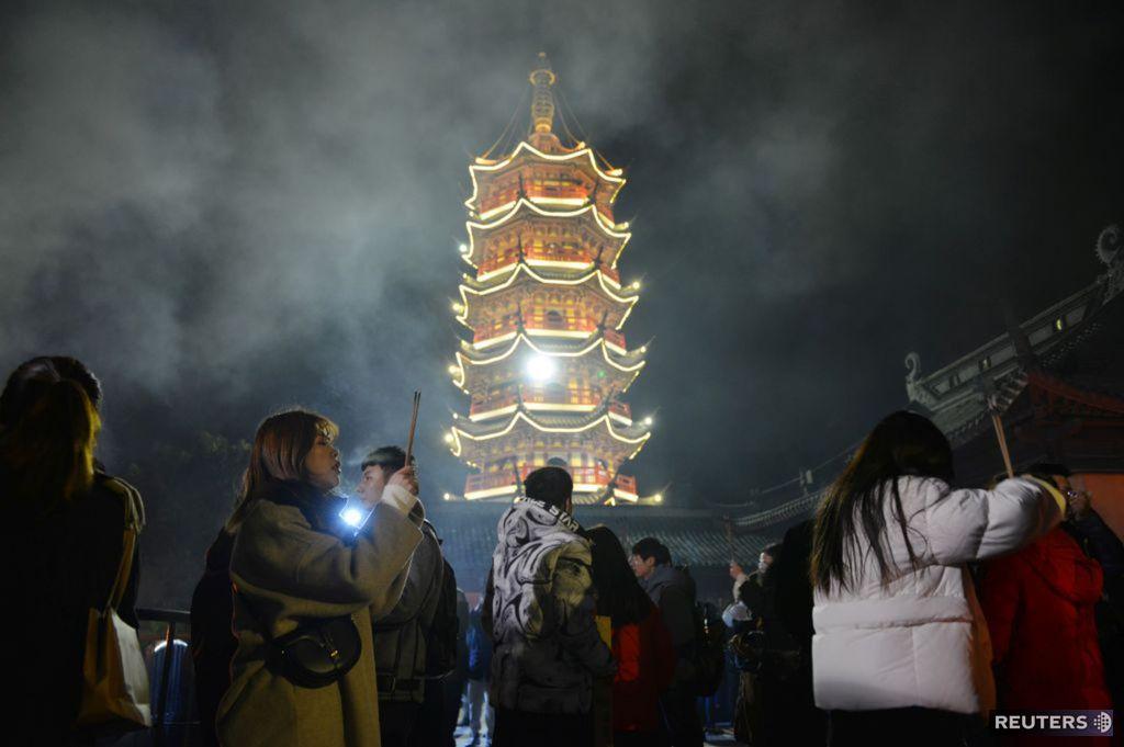 Nový rok, Čína, svätyňa