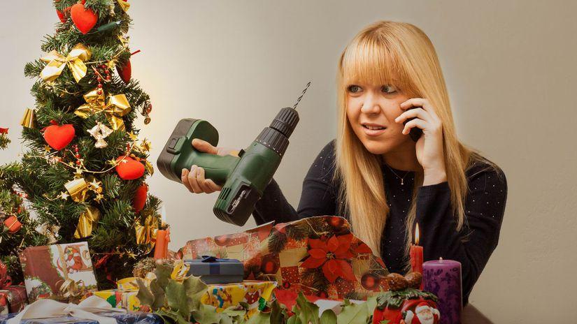Vianoce, nevhodný darček, žena, vŕtačka