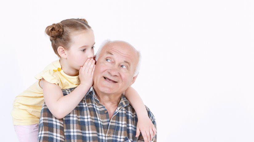 dieťa, dedko, vnučka, šepkanie