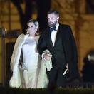 Bývalá tenistka Dominika Cibulková prichádza s manželom Michalom Navarom.