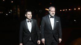 Debut na 20. ročníku Plesu v opere absolvoval režisér a herec Peter Bebjak (vpravo) so svojím partnerom - výtvarníkom Andrejom Dúbravským.