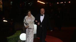 Herec Matej Landl s manželkou.