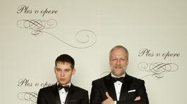 Režisér Peter Bebjak (vpravo) a jeho partner Andrej Dúbravský, známy výtvarník.