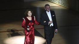 Sprievodcami večera 20. ročníka Plesu v opere bola herecká dvojica Emília Vášáryová a Martin Huba.