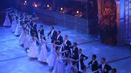 Už tradične nemohol na 20. ročníku Plesu v opere chýbať úvodný valčík.
