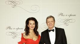 Vlado Černý, riaditeľ divadla Astorka Korzo 90 s manželkou Ivetou