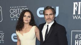 Herec Joaquin Phoenix a jeho sestra Rain.