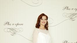 Moderátorka Andrea Šprochová na 20. ročníku Plesu v opere.