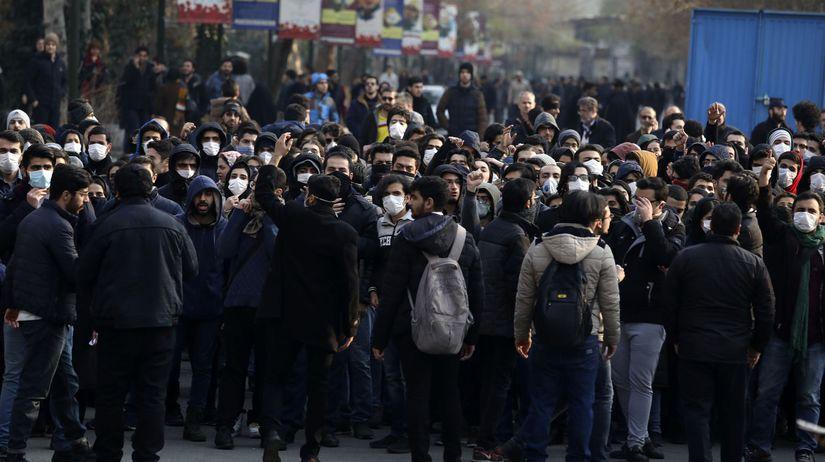 Irán / protest / demonštranti / študenti /...