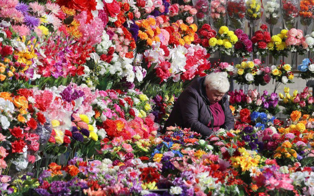 Bielorusko, kvety, Minsk, umelé kvety, trh