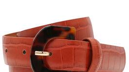 M Opasok z umelej kože s potlačou efektu krokodílej kože. Predáva M&Co za 8,99 libier.
