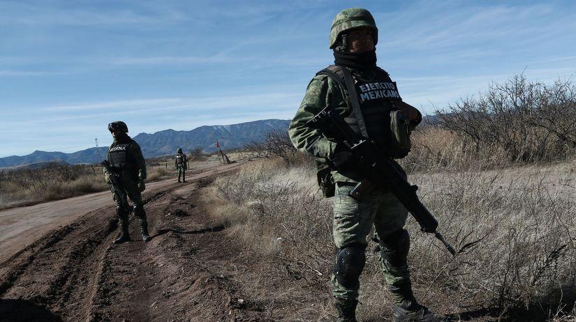 Mexiko / vojak / armáda / hranica /