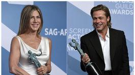 Herečka Jennifer Aniston s cenou SAG za výkon v seriáli The Morning Show, Brad Pitt so soškou za výkon vo vedľajšej úlohe vo filme Vtedy v Hollywoode.
