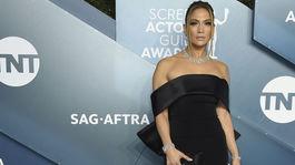 Herečka Jennifer Lopez prišla v šatách Georges Hobeika Haute Couture.