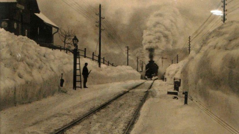 Lučivná pri Poprade, vlak