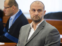 Bödör sa vracia na Slovensko. Zavolala si ho polícia