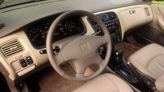 Takata: Viac ako 20-ročné autá začali vykupovať aj Honda s Mitsubishi. Čo ďalší?
