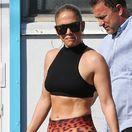 Bruško ako skala, krivky dokonalé: Jennifer Lopez je skrátka fitness guru!