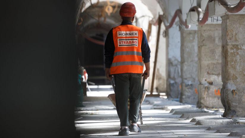 SNG: Kontrolný deò rekonštrukcie budovy