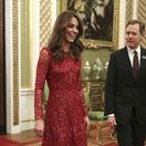 Vojvodkyňa Kate z Cambirdge v šatách Needle & Thread vyzerala očarujúco.