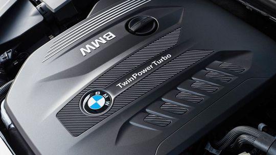 BMW nasadzuje nové čisté diesle. Pomôže im mild-hybridný systém