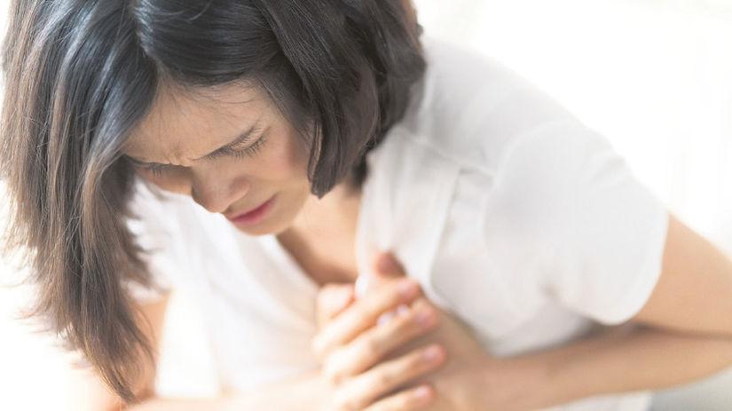 infarkt, žena, bolesť v hrudi