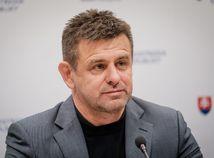 László Sólymos, demisia