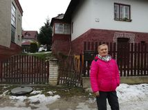 Dôchodkyni susedské spory prerastajú cez hlavu