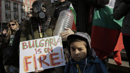 Obyvatelia bulharského mesta Pernik protestovali proti nedostatku pitnej vody