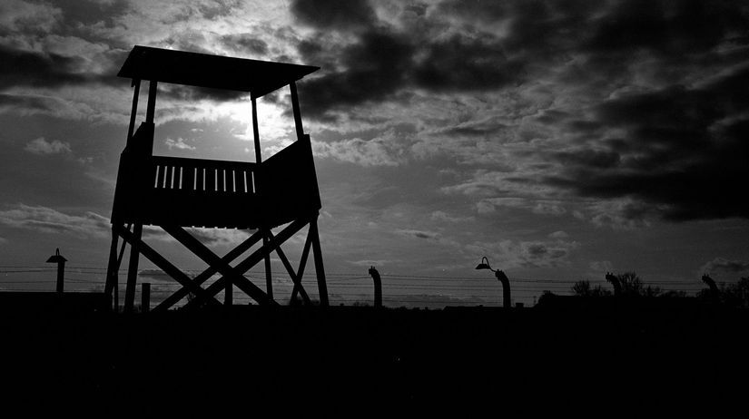Auschwitz-Birkenau / holokaust / vyhladzovací...