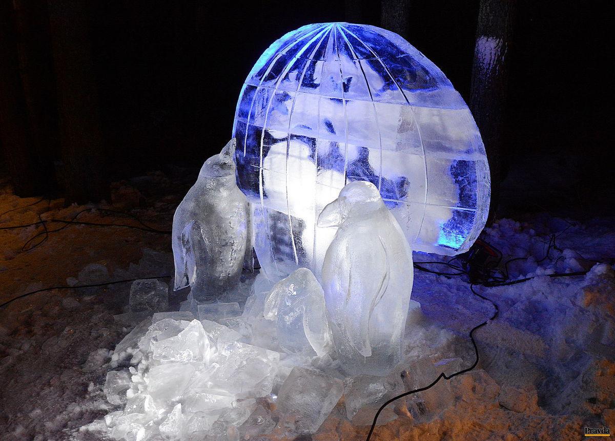 Hrebienok, ľadové sochy