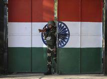 India / Pakistan / vojak / armáda /
