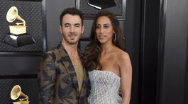 Kevin Jonas a jeho manželka Danielle Jonas.