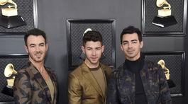 Zľava: Kevin Jonas, Nick Jonas a Joe Jonas  z formácie Jonas Brothers.