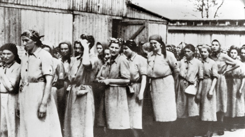 Eva Neumannová, Auschwitz