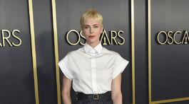 Herečka Charlize Theron sa objavila na akcii v kreácii Dior.