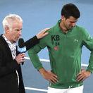 Federer odvrátil 7 mečbalov a čaká ho Djokovič. Srb so slzami spomínal na Bryanta