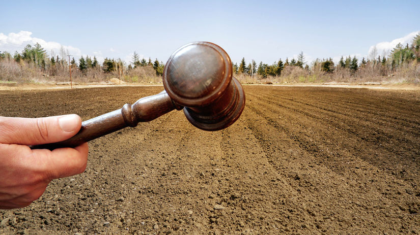 pôda, pozemok, kladivo, kladivko, spravodlivosť