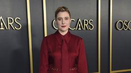 Scenáristka a režisérka Greta Gerwig v modeli z dielne Gucci.