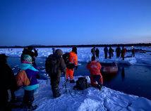 Rusko / Sachalin / rybári / ľadová kryha /