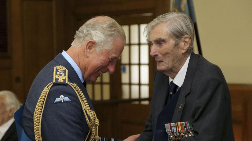 Britain Obit Wing Commander Paul Farnes