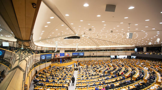 EU: Zasadnutie Európskeho parlamentu, plénum...