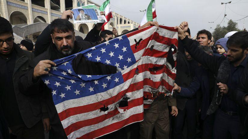 Irán Irak USA Solejmání útok vlajka