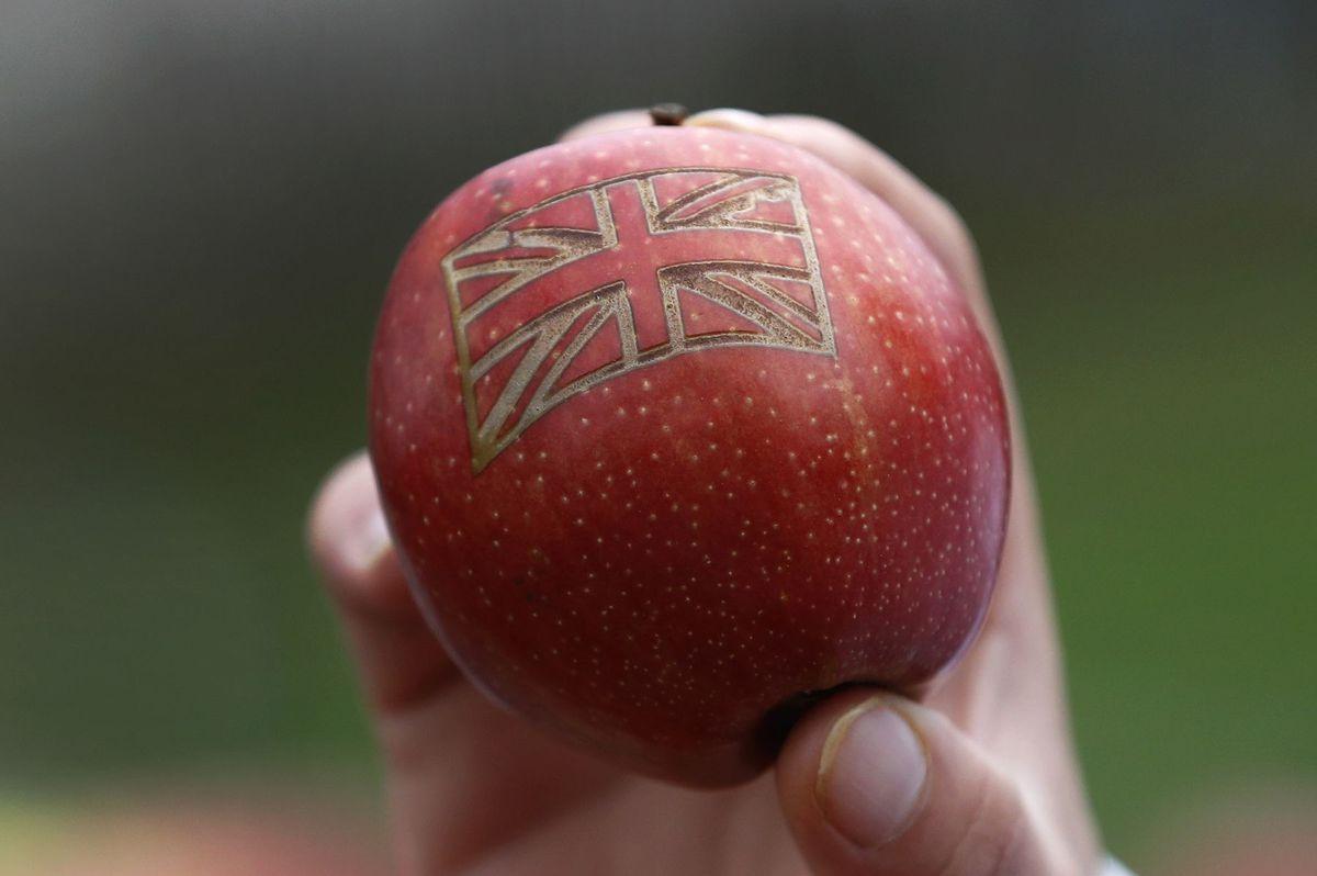 Brexit / Británia / jablko /
