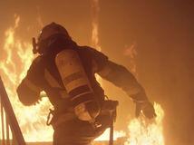 požiarnik / požiar / oheň /