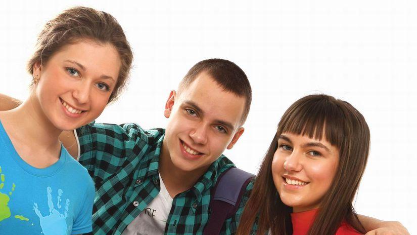 žiaci, zošity, kamaráti, priateľstvo, spolužiaci