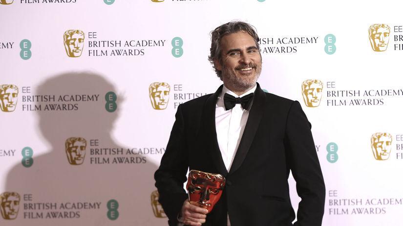 Herec Joaquin Phoenix získal cenu BAFTA za...