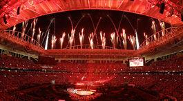 Ohňostroj na štadióne počas prestávky zápasu NFL Super Bowl.